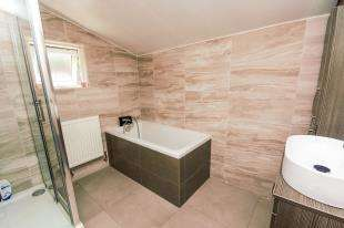 3 Bedrooms End Of Terrace House for sale in Providence Street, Ashford, Kent