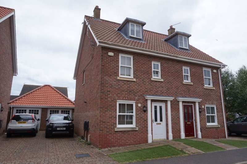 3 Bedrooms Semi Detached House for rent in Carrel Road, Gorleston, Great Yarmouth, NR31