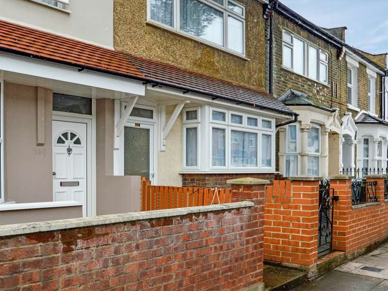 3 Bedrooms Terraced House for sale in Geere Road, Stratford E15