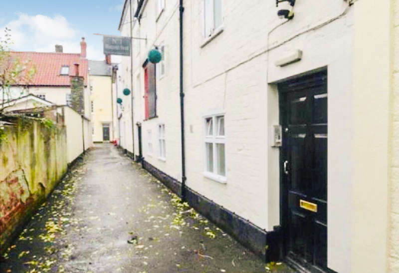 2 Bedrooms Ground Flat for sale in Worcester Street, Monmouth