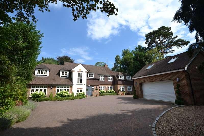 5 Bedrooms Detached House for sale in Cobbetts Hill, Weybridge, KT13