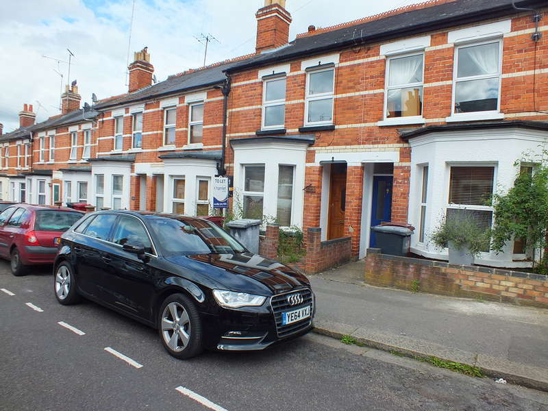 4 Bedrooms Terraced House for rent in Belmont Road, Reading, Berkshire