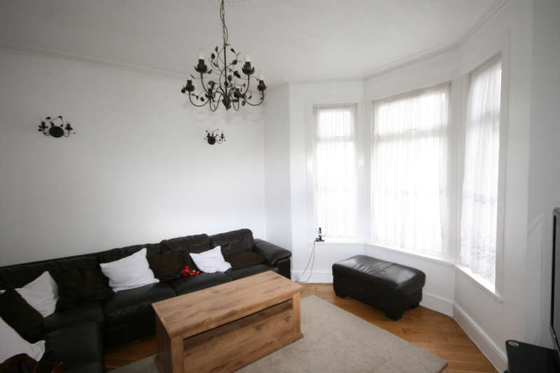 4 Bedrooms Terraced House for sale in Ilford, IG1