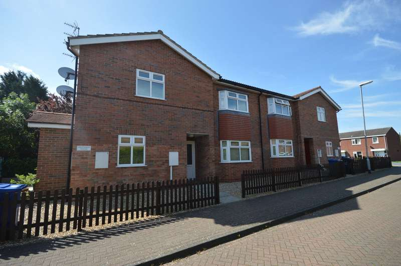 2 Bedrooms Apartment Flat for sale in Greenaway House, Greenaway Court, Cherry Willingham, Lincoln, LN3