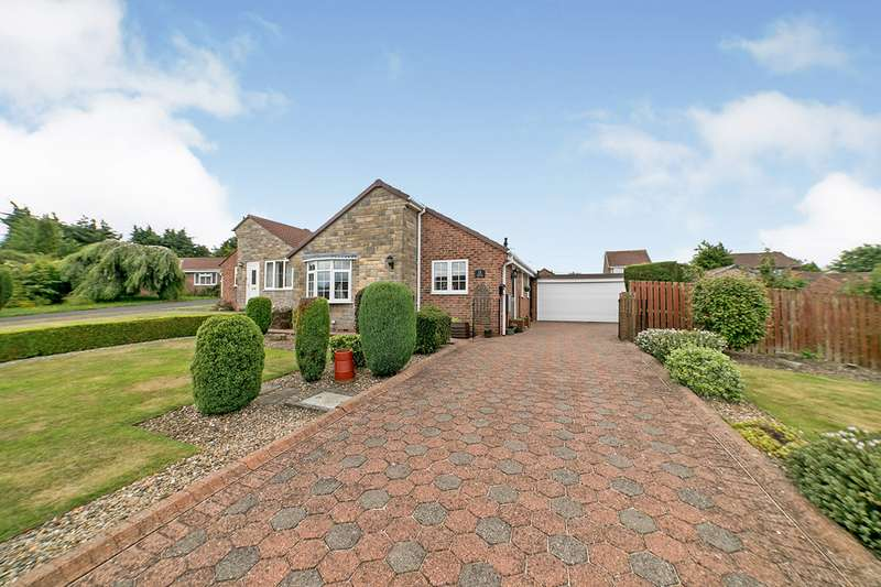 2 Bedrooms Detached Bungalow for sale in Heather Place, Crawcrook Ryton, NE40