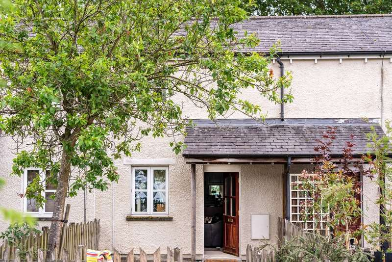 2 Bedrooms Terraced House for sale in Raygarth Gardens, Kirkby Lonsdale, Cumbria, LA6