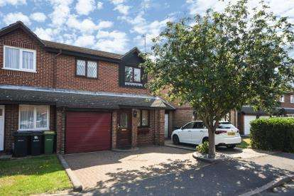 3 Bedrooms Terraced House for sale in Rochford, Essex