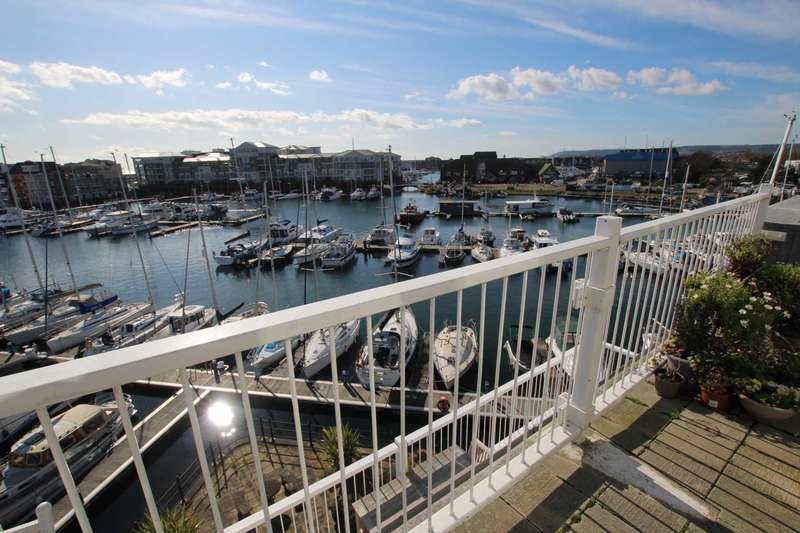 3 Bedrooms Flat for sale in St Lawrence Mews, Eastbourne, BN23 5QD