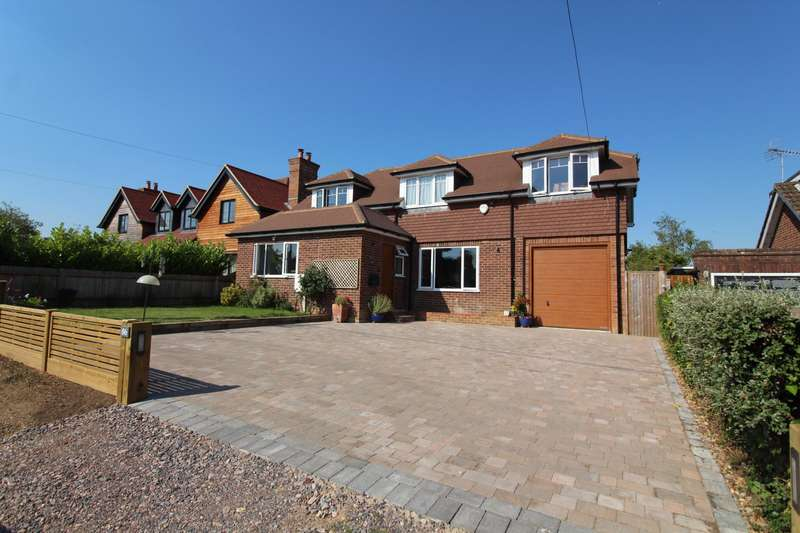 4 Bedrooms Detached House for sale in Hill Farm Road