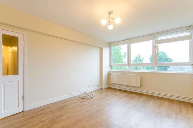 2 Bedrooms Flat for rent in Scriven Street, London Fields, E8