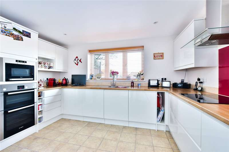 2 Bedrooms Detached House for sale in Capell Avenue, Chorleywood, Hertfordshire, WD3