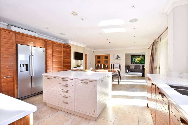 6 Bedrooms Detached House for sale in Sarratt Lane, Loudwater, Hertfordshire, WD3