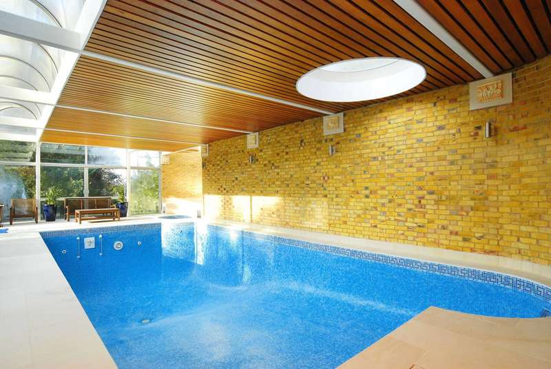 6 Bedrooms Detached House for sale in West Road, Ealing, W5