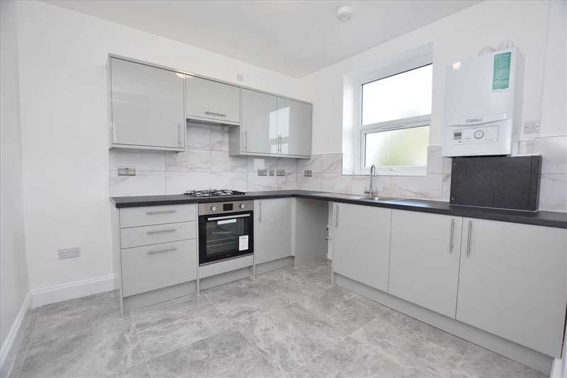 3 Bedrooms Apartment Flat for sale in Little Oxhey Lane, Watford