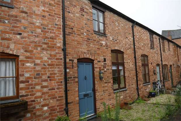 1 Bedroom Cottage House for rent in Aldwinckles Yard, Market Harborough, Leicestershire
