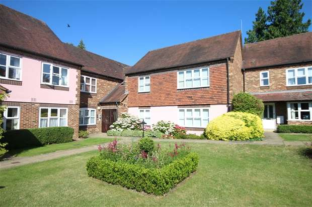2 Bedrooms Flat for sale in Sun Lane, Harpenden