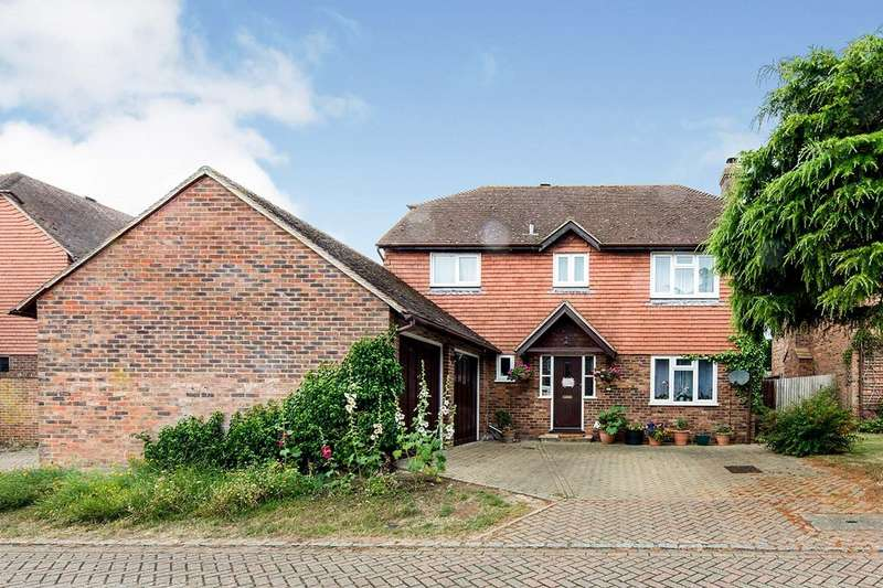 4 Bedrooms Detached House for sale in Newing Close, Littlebourne, Canterbury, Kent, CT3
