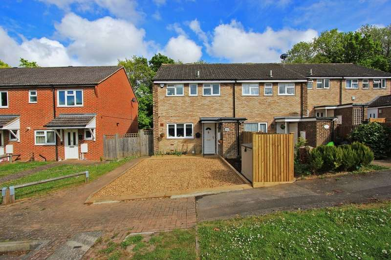 3 Bedrooms End Of Terrace House for sale in Caxton Close, Longfield, DA3