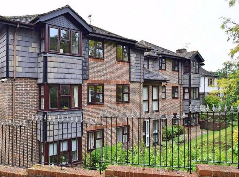 2 Bedrooms Retirement Property for sale in The Acorns, Sevenoaks, TN13