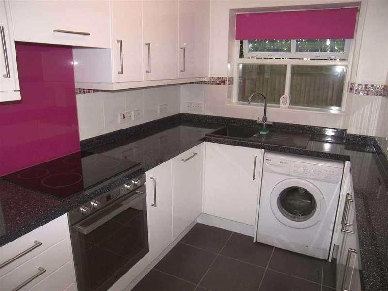 2 Bedrooms Flat for rent in Longmeadow, Sevenoaks, TN13