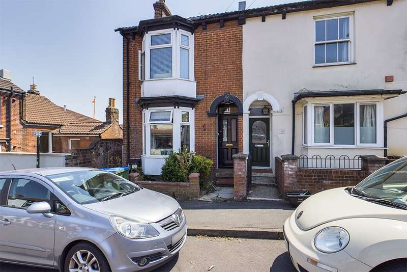 4 Bedrooms Semi Detached House for sale in Southcliff Road, Southampton, Hampshire, SO14