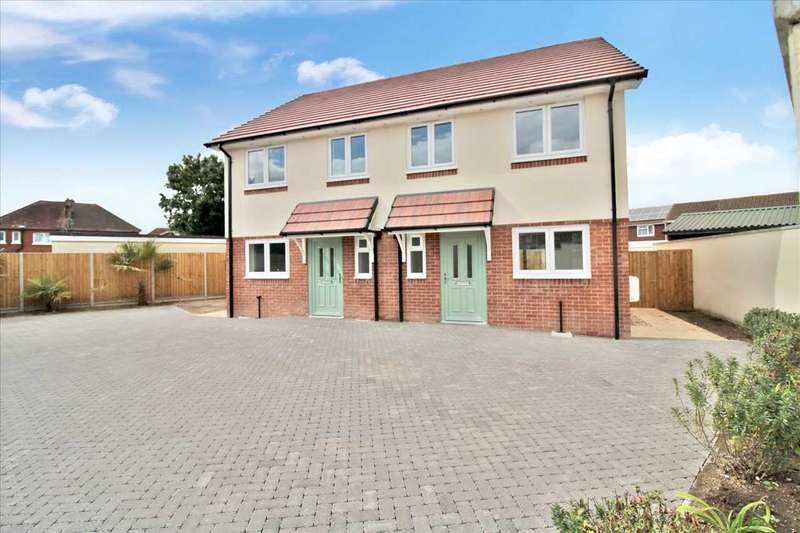 3 Bedrooms Semi Detached House for sale in Rodwell Close, Bournemouth