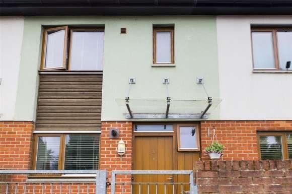 2 Bedrooms Property for sale in Walnut Way, Basingstoke