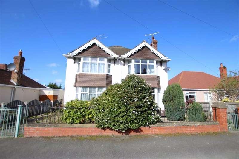 4 Bedrooms Detached House for sale in Plas Avenue, Prestatyn, Denbighshire