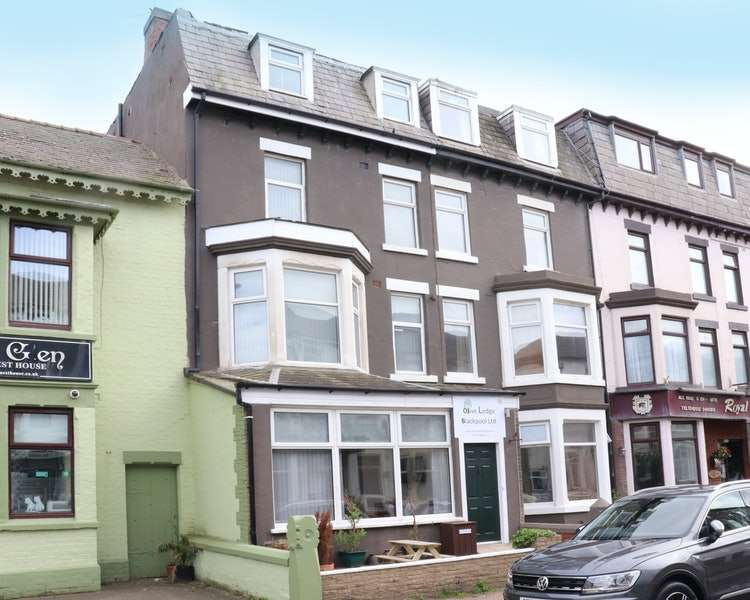 11 Bedrooms Terraced House for sale in Barton Avenue, Blackpool, Lancashire, FY1