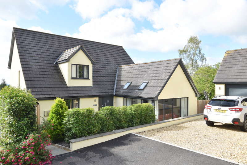 4 Bedrooms Chalet House for sale in Wincanton, Somerset, BA9