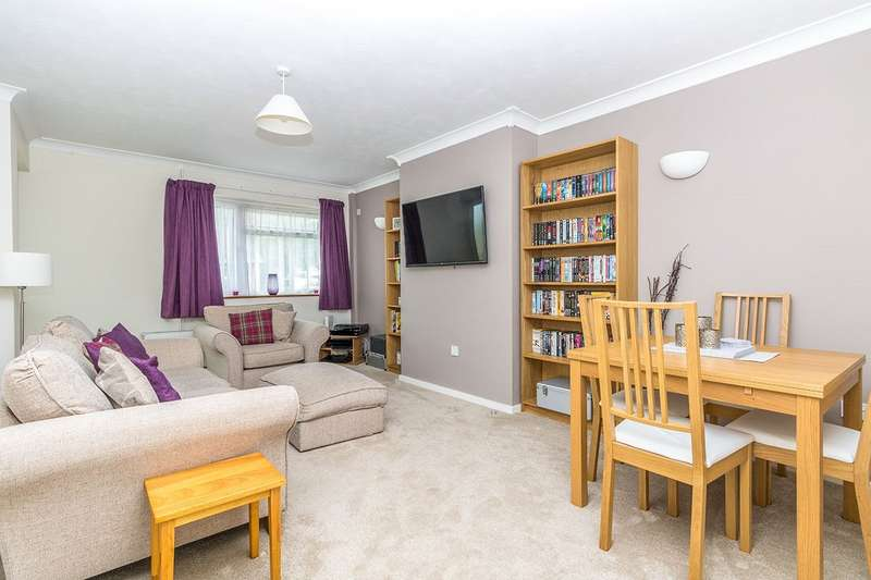 2 Bedrooms Maisonette Flat for sale in Milstead Close, Maidstone, Kent, ME14
