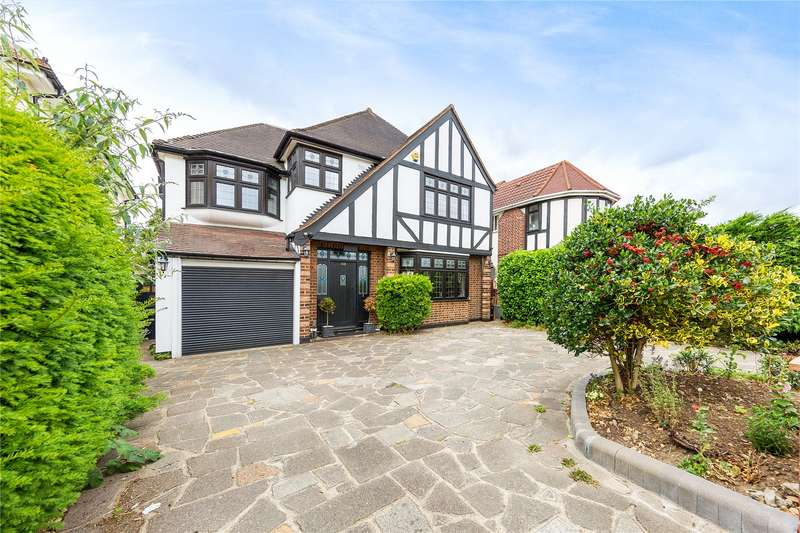 5 Bedrooms Detached House for sale in Corbets Tey Road, Upminster, RM14