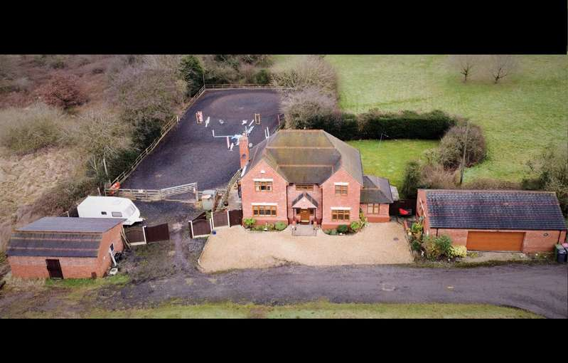 4 Bedrooms Detached House for sale in Corley Moor, Rural, 1 acre, Drone Video, 4 Car Garage, Stables & Menage