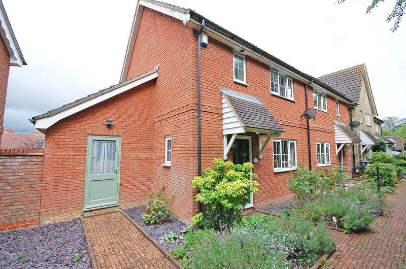 3 Bedrooms Semi Detached House for sale in Framlingham Way, Great Notley, Braintree, CM77