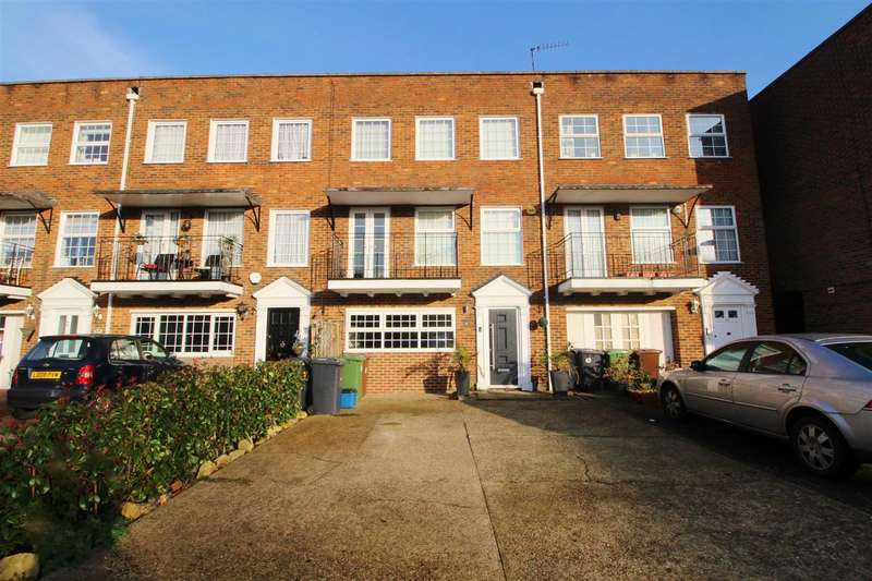 3 Bedrooms Town House for rent in Cavendish Crescent, Elstree, Borehamwood