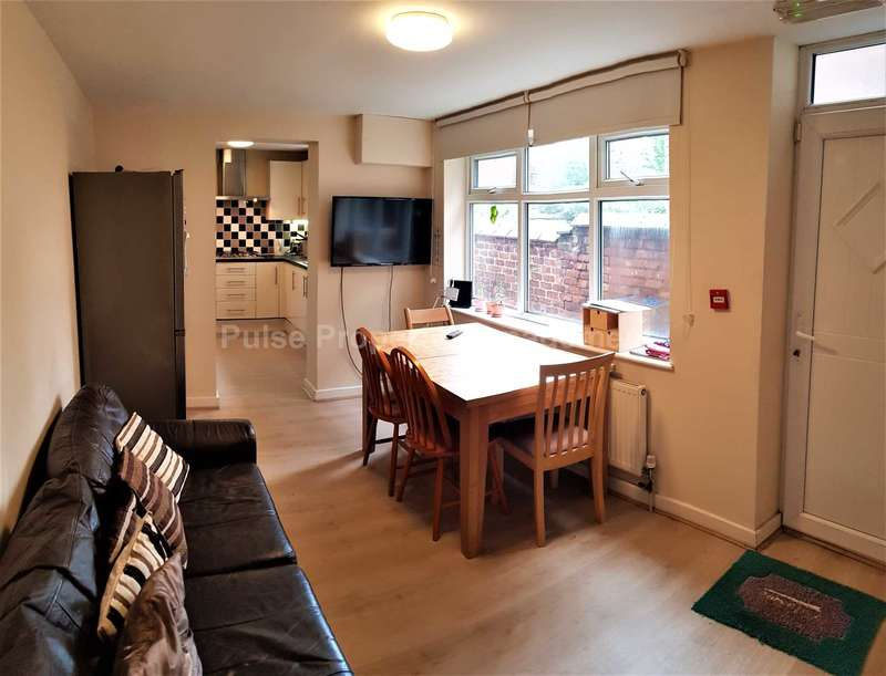 6 Bedrooms House for rent in Half Price July & August 2020 - 6 Double Rooms with from ?91pppw excluding bills furnished!! Reserve NOW!!