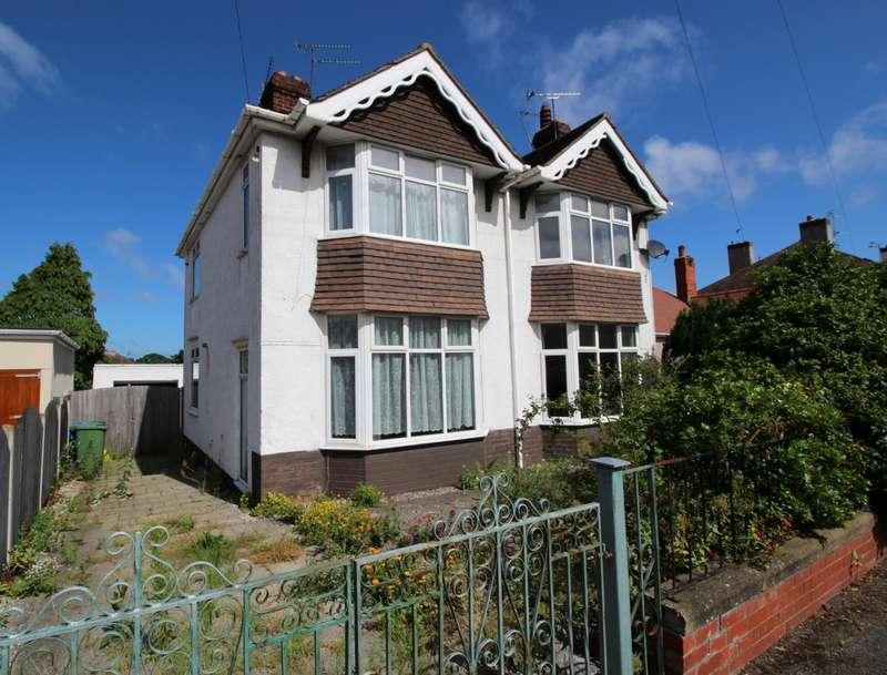 4 Bedrooms Detached House for sale in Plas Avenue, Prestatyn, Denbighshire, LL19