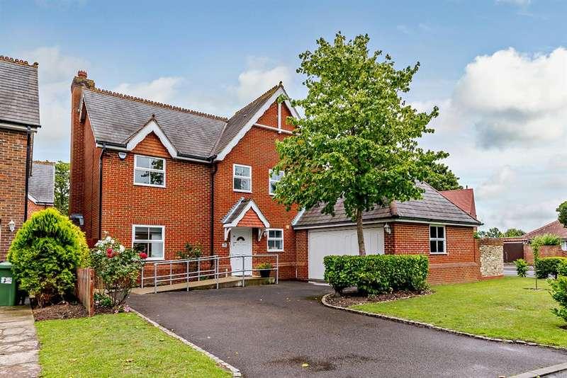 5 Bedrooms Detached House for sale in Royal Avenue, Worcester Park , KT4