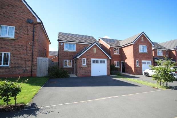 3 Bedrooms Detached House for rent in Maxy House Road, Preston, PR4