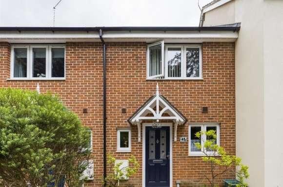 2 Bedrooms Property for sale in Skippetts Gardens, Basingstoke