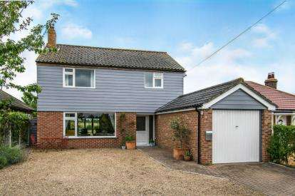 3 Bedrooms Detached House for sale in Ludham, Great Yarmouth, Norfolk