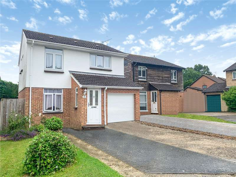 4 Bedrooms Detached House for sale in Weyhill Close, Tadley, Hampshire, RG26