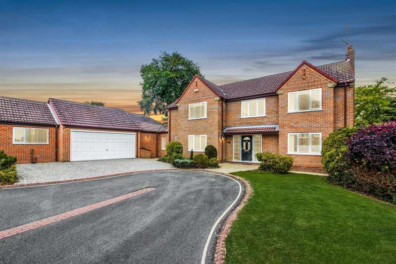 5 Bedrooms Detached House for sale in Finch Park, Beverley
