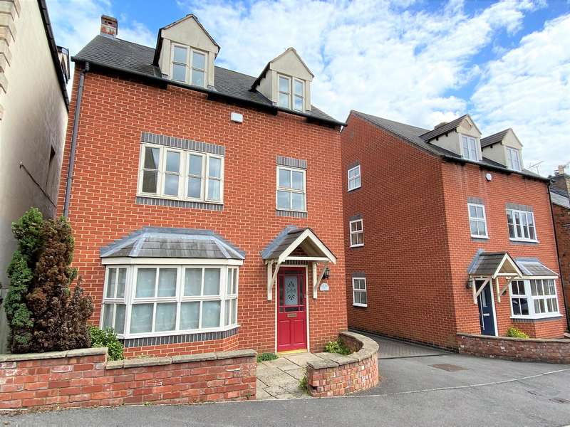 4 Bedrooms Detached House for sale in Burdett Close, Stonehouse, Stonehouse, GL10 2LS
