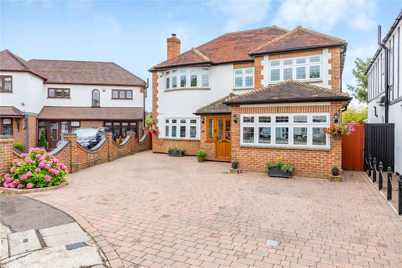 5 Bedrooms Detached House for sale in Nelmes Close, Emerson Park, RM11