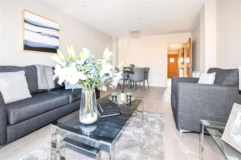 4 Bedrooms House for sale in Florence Avenue, Morden