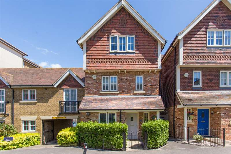 5 Bedrooms Town House for sale in St Augustines Park, WESTGATE-ON-SEA