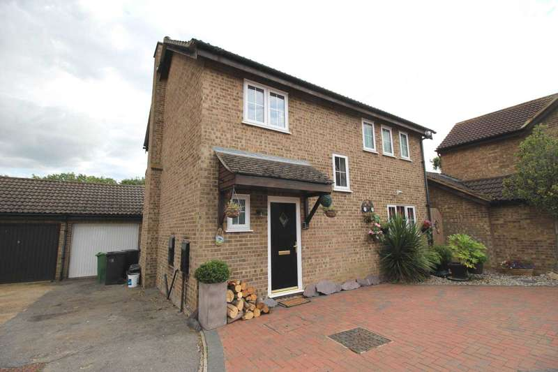 3 Bedrooms Detached House for sale in Midguard Way, Maldon