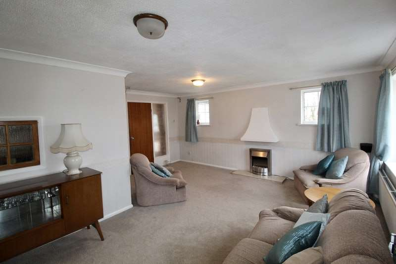3 Bedrooms Bungalow for sale in Renshaw Close, Sheffield, South Yorkshire, S35