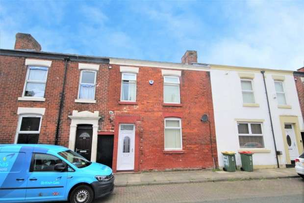 3 Bedrooms Terraced House for sale in Caroline Street, Preston, PR1